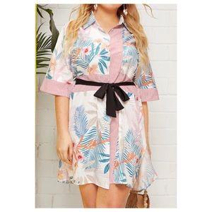 Dresses & Skirts - ➕ Floral Panel Shirt Dress